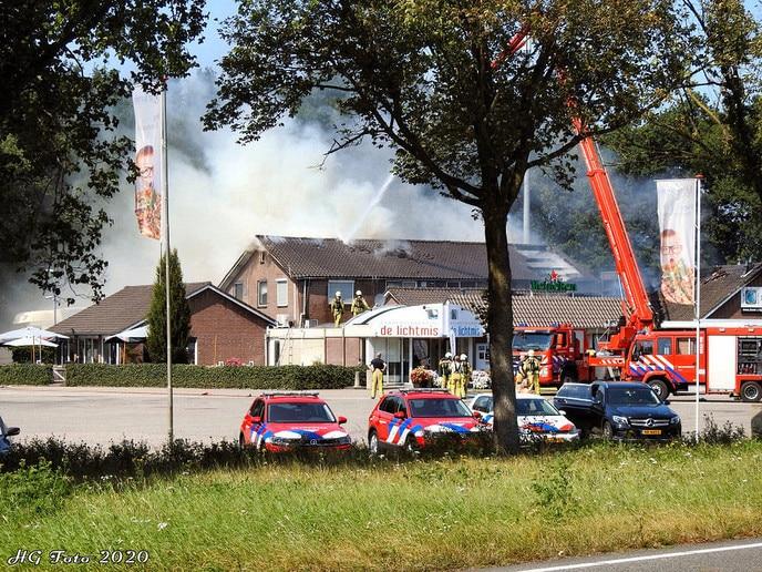 """Zeer grote brand bij wegrestaurant """"de Lichtmis"""""""