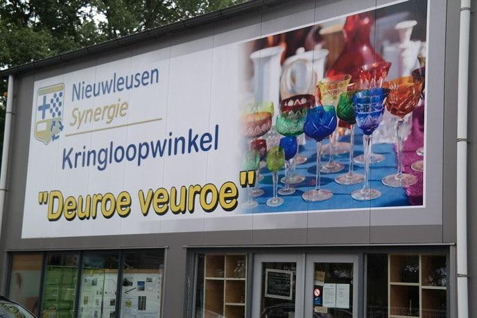 Kringloopwinkel Deuroe Veuroe weer geopend - Foto: Hans Keesmaat