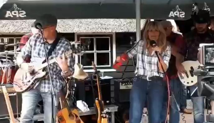 Een rustig optreden van de blues rock band The New American Farmers - Foto: eigen geleverde foto