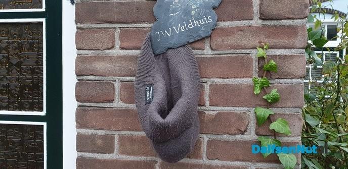 Sjaal en muts op straat