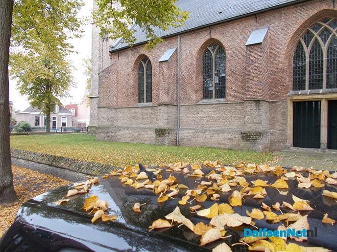 Herbst um die Dalfser Kirche