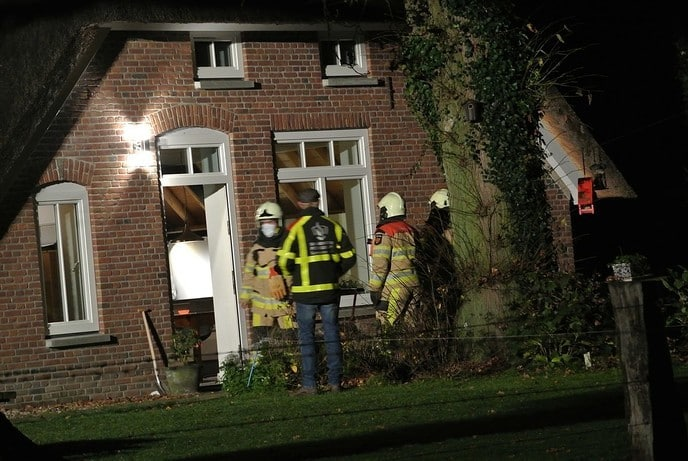 Brand in woning Langsweg in Dalmsholte. (update) - Foto: Niels Jansen