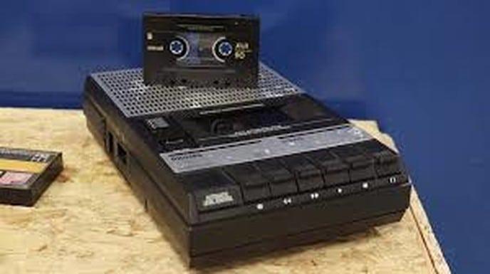 Kerkdienst op een cassettebandje: dat was toen zo - Foto: Ingezonden foto