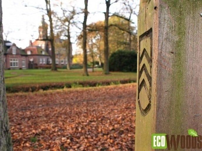 Nieuwe afsluitbomen voor de paden van het landgoed - Foto: Ingezonden foto