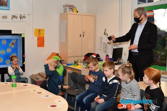 Project 'Van bewegen naar schoolfruit'officieel gestart - Foto: Johan Bokma