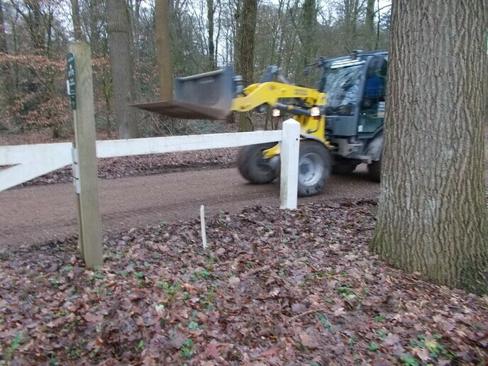 Verbetering toegang parkeerplaats Huize Den Berg
