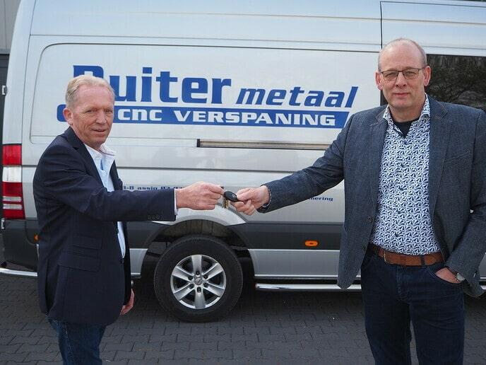 De Ruiter Metaal in Nieuwleusen draagt het stokje over - Foto: eigen geleverde foto