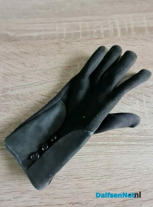 Gevonden handschoen - Foto: Ingezonden foto
