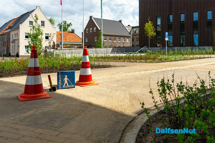 Opening voorplein gemeentehuis Dalfsen - Foto: Paul Scholten