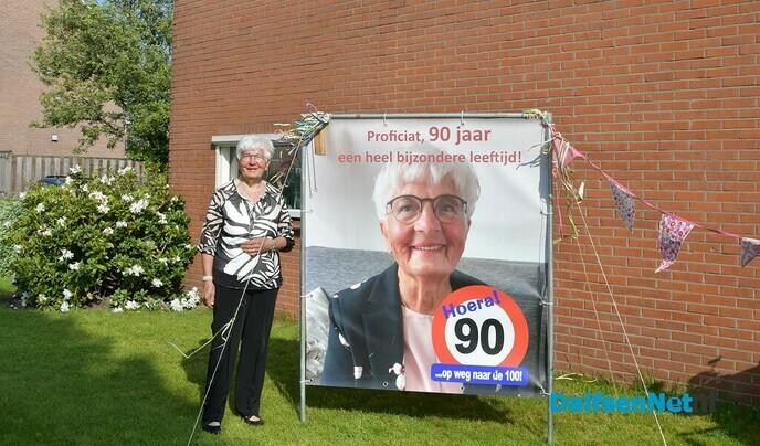 Mien Vulkers-Vrolijken viert vandaag haar 90e geboortedag! - Foto: Johan Bokma