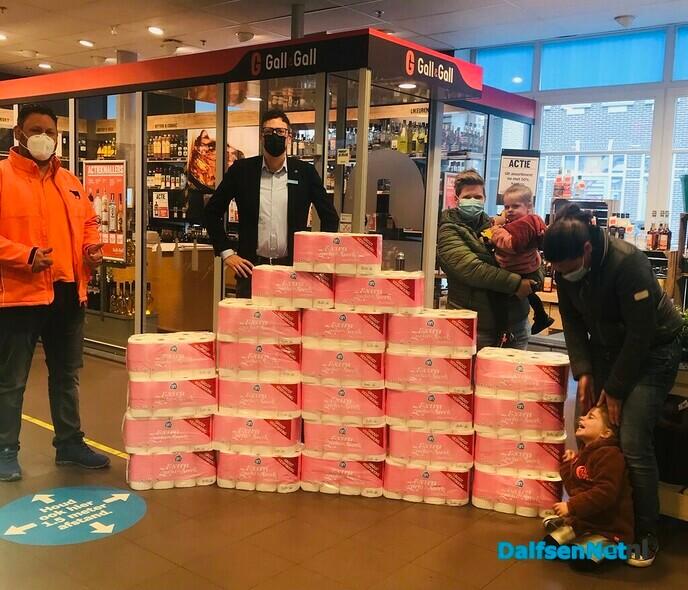 Prijsuitreiking Oranje Bingo - Foto: Ingezonden foto
