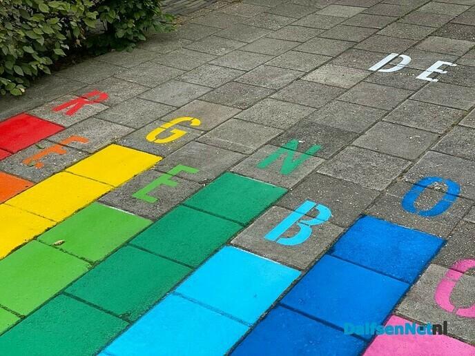 Kleurrijke stappen voor Pcb de Regenboog - Foto: Ingezonden foto