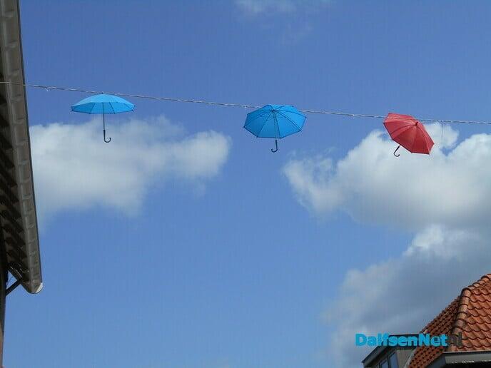 1 paraplu wil niet meer hangen