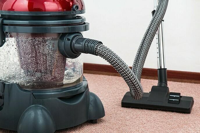 Zelf tapijt reinigen: waar moet ik op letten?