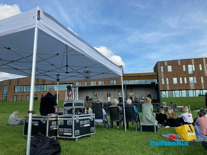Muziek op evenemententerrein - Foto: Ingezonden foto