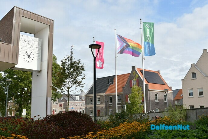Vandaag wappert de regenboogvlag in Dalfsen - Foto: Johan Bokma
