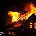 Zeer grote brand verwoest woning en schuur aan de Rheezerveenseweg, Rheezerveen.