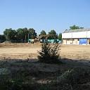 Grote zandbak en nieuwe muur