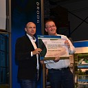 EPDM systems doneert cheque aan Team Sukerbiet