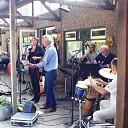 Prachtige muziek op zonnig terras: live SIX 6