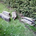 Boswachter niet blij: Tuinhout gedumpt