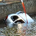 Auto te waterVechtdijk (foto update )