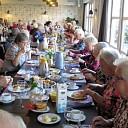 De langste eettafel staat in de Brugstede te Lemelerveld