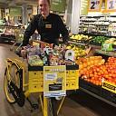 Jumbo Kamphuis geeft gratis boodschappen en fiets weg