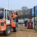 Vrijwilligers bouwen eigen tribune op Sportpark Gerner