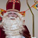 Man met hoofddeksel: deze week Sinterklaas