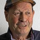 Man met hoofddeksel: vandaag Paul Veltien