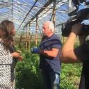 Nana van House Vision proeft de groenten van Eef