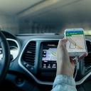 Het gemak van voertuigen volgen met GPS