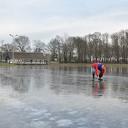 Slechts 1 cm ijsgroei afgelopen nacht op de ijsbaan
