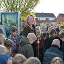 Burgemeester van Lente gaat voor een groen schoolplein
