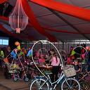 Fietsen pimpen in de tent bij de Oranjevereniging Dalfsen