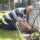 Kwekerij Onderdijk schenkt weer planten aan het hospice