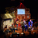 "Oorverdovend applaus voor Rockmusical ""Old man on the frontporch"""