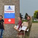 Living Village festival doneert voedsel aan de voedselbank Dalfsen