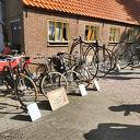 Antiek met Muziek bij van Leusen aan de Kampendwarsweg.