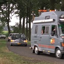 Oldtimertocht, auto's, motoren, bromfietsen en tractoren door Nieuwleusen