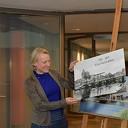 Expositie 60-jarig jubileum fotoclub geopend door burgemeester Erica van Lente