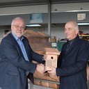 Eerste nestkastje afgehaald op gemeentewerf Nieuwleusen