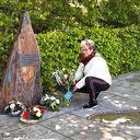 Bloemen bij het monument in Oudleusen
