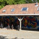 Er staan weer fietsen op de schoolpleinen