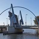 Ook de bediening stond voor de brug