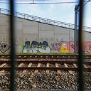 Nieuwe viaduct Hessenweg over spoorlijn nu al vol graffiti