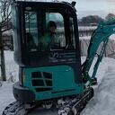 Dalfser ondernemer gaat auto's uit de sneeuw spitten